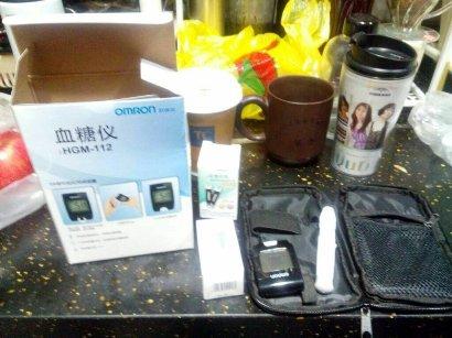 OMRONの血糖値測定器